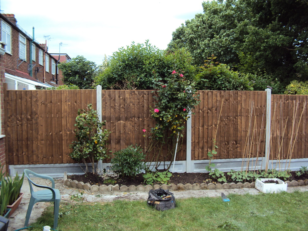 We Installed This Garden Fence Using 8ft Concrete Postu0027s, Concrete Gravel  Boards, With 5ft Close Board Panels. This Gave The Fence A Finished Height  Of 6ft.